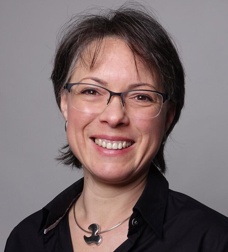Simone-Schuster